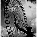 la grande roue s'installe place des quinconces