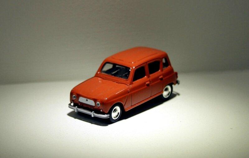 Renault R4-L (Norev retro) 01