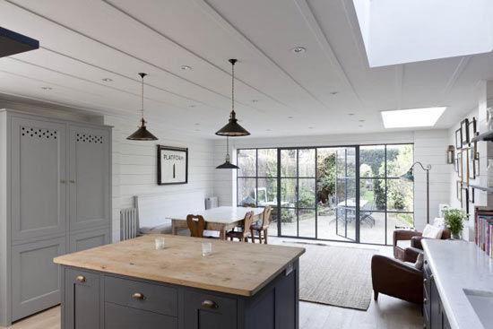 Une cuisine en gris et blanc - Sonia Saelens déco