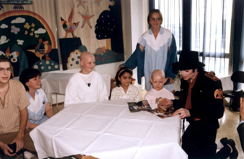 michael-visits-a-childrens-hospital-in-prague(108)-m-3