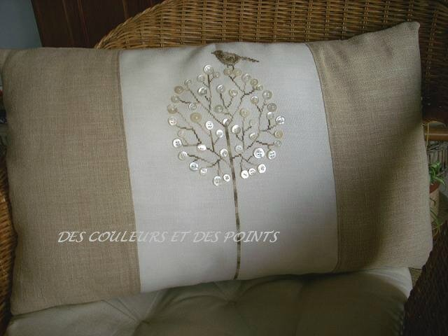 COUSSIN ARBRE BOUTONS BIS