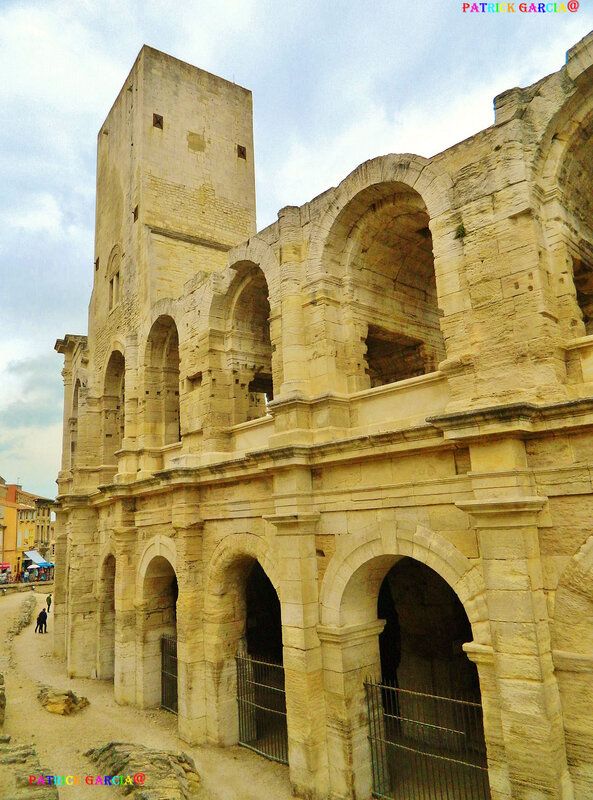 ARLES ARENES EXT 3026 copie