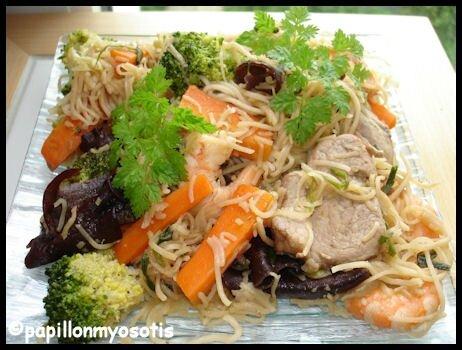 nouilles chinoises porc crevettes et légumes_1
