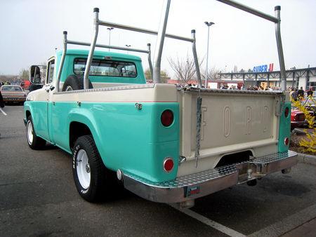 Ford_F100_custom_cab_styleside_pickup_de_1958_02