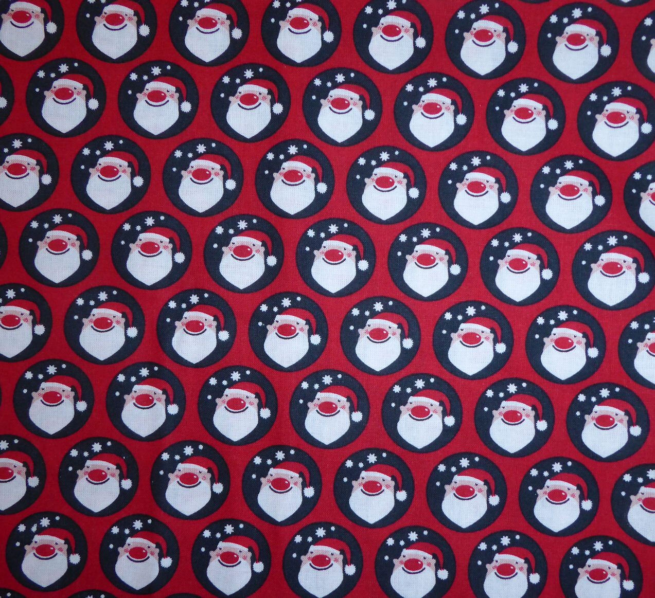 534 - Têtes de Père-Noël
