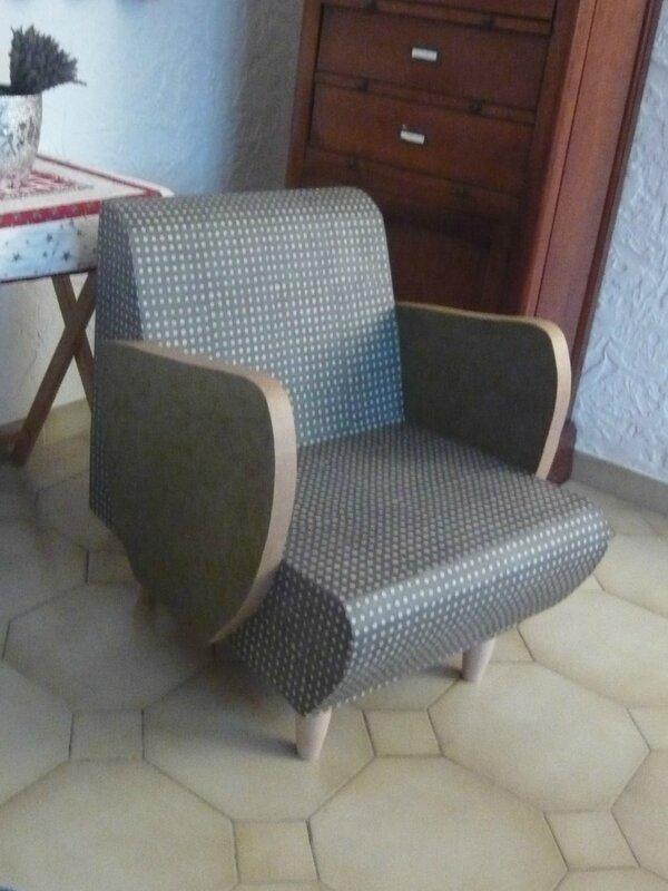 fauteuil carton (fin) 004