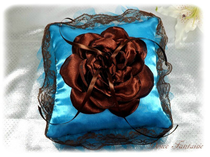 Coussin d'alliance chocolat turquoise