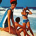 sur la plage en maillot