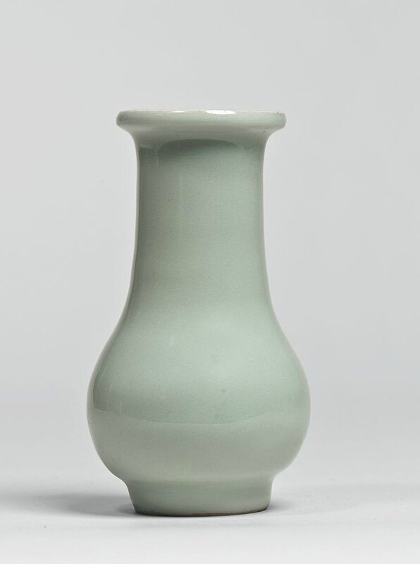 A 'Longquan' celadon vase, Song dynasty