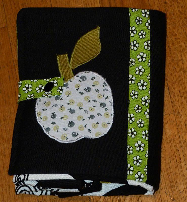 24. sac pliable en tissu - appliqué pomme - plié