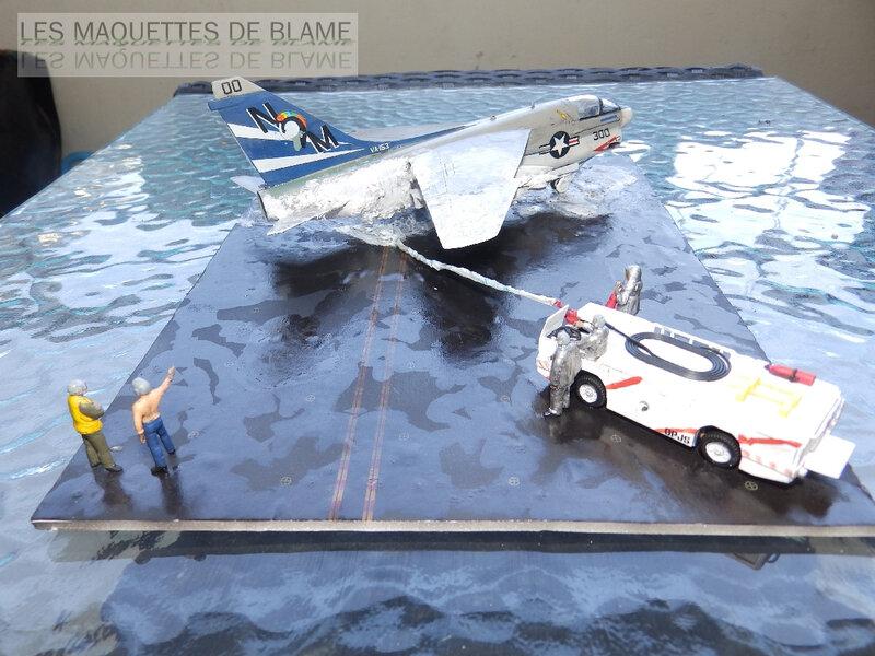 DIORAMA ATTENTION À LA FUITE (A7-A CORSAIR 2 VA-153 BLUE TAIL FLIES)!!!!