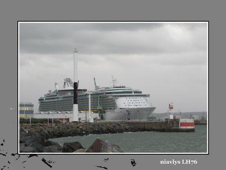 Independance_of_the_seas__1_