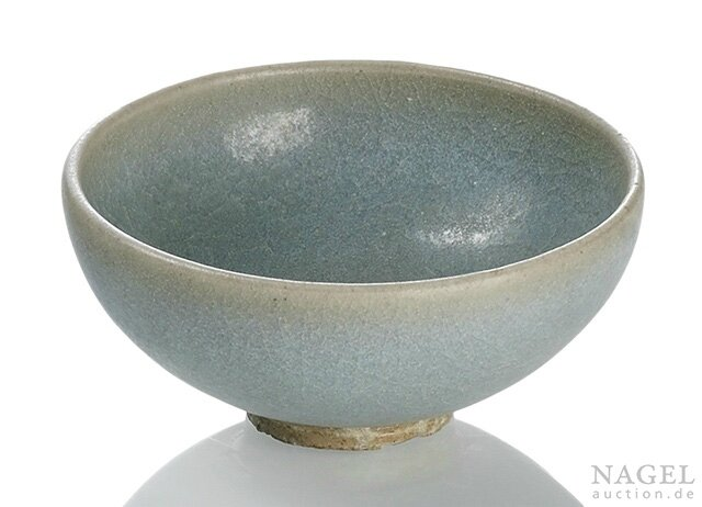 A small Jun blue-glazed bubble bowl, Northern Song-Jin dynasty (960-1234),