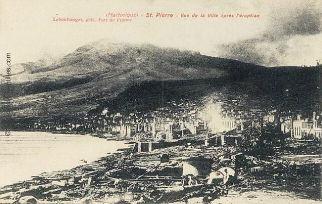 ancienne capitale de la Martinique Saint Pierre après l'éruption de la Montagne Pelé 1902