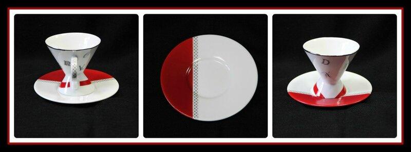 1 Détails tasse rouge et lettres