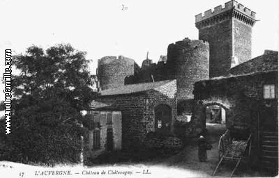 cartes-postales-photos-Chateau-de-Chateaugay-CHATEAUGAY-63119-63-63099004-maxi