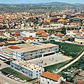 Gueugnon (Saône-et-Loire), le collège, la ville et les usines