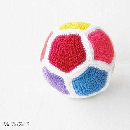 ballon pentagone au crochet