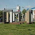 058 On retrouve le Kurt-Schumacher-damm et le Mémorial