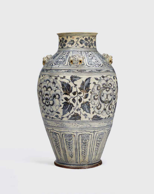 A rare massive blue and white storage jar, Lê dynasty, 15th-16th century