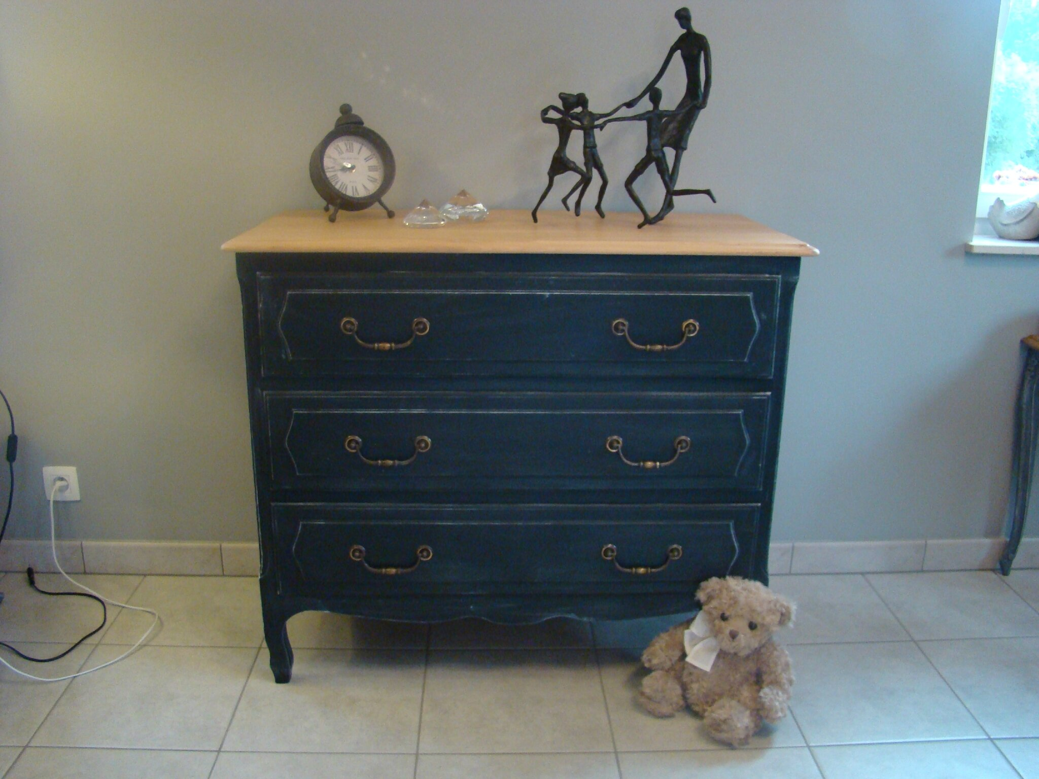 commode patine noir relooking meubles int rieur. Black Bedroom Furniture Sets. Home Design Ideas