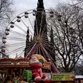 Xmas market in edinburgh