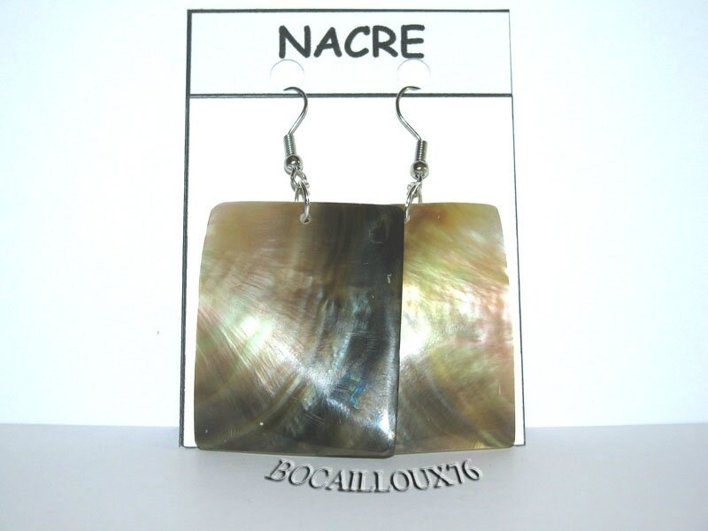 BOUCLE OREILLE NACRE 1 NATURELLE - CROCHET ARGENTE