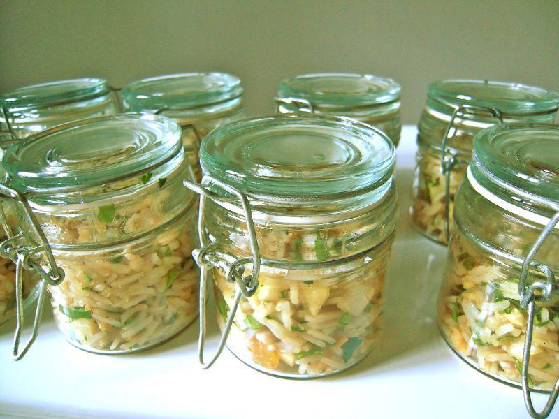 salade de riz aux noisettes et aux figues sèches