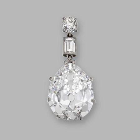 Platinum_and_Diamond_Pendant__Circa_1915