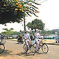 HOI AN -J-Filles-en-vélo