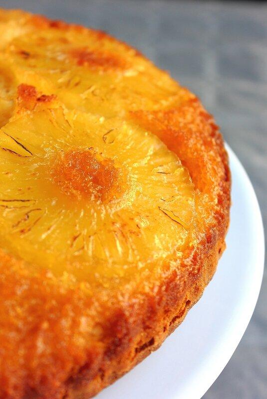 Gâteau renversé à l'ananas & noix de coco1