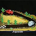 Gâteau cars circuit voitures de courses.