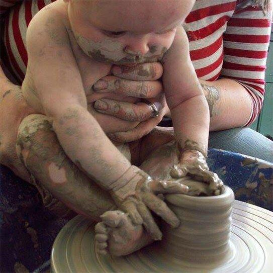 creation-dieu-potier-bebe-argile-tour-543