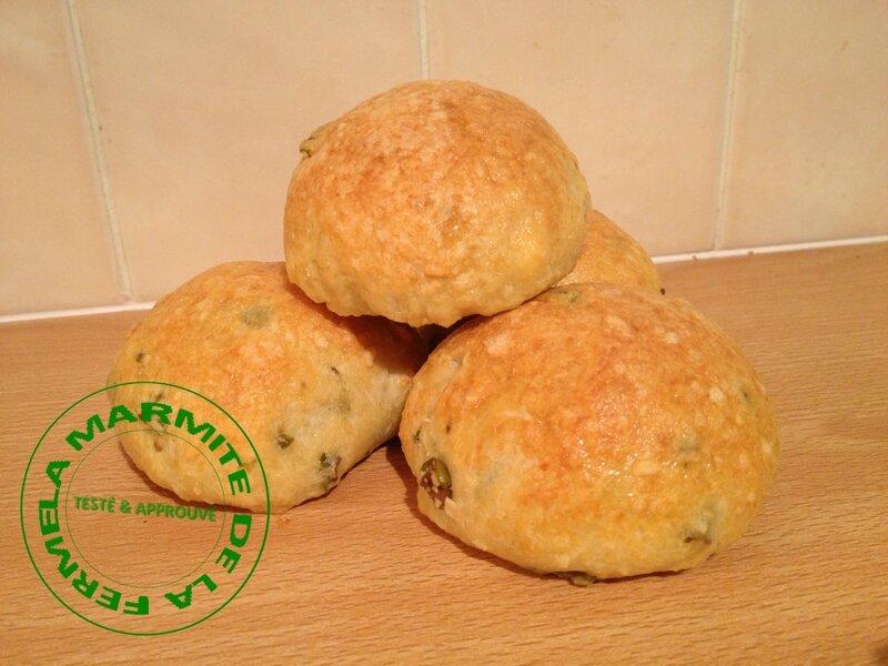 Petits pains aux olives (11)