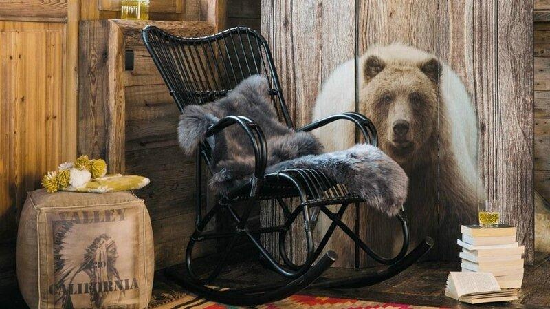03E8000007824089-photo-peau-de-mouton-plaid-fourrure-chaise