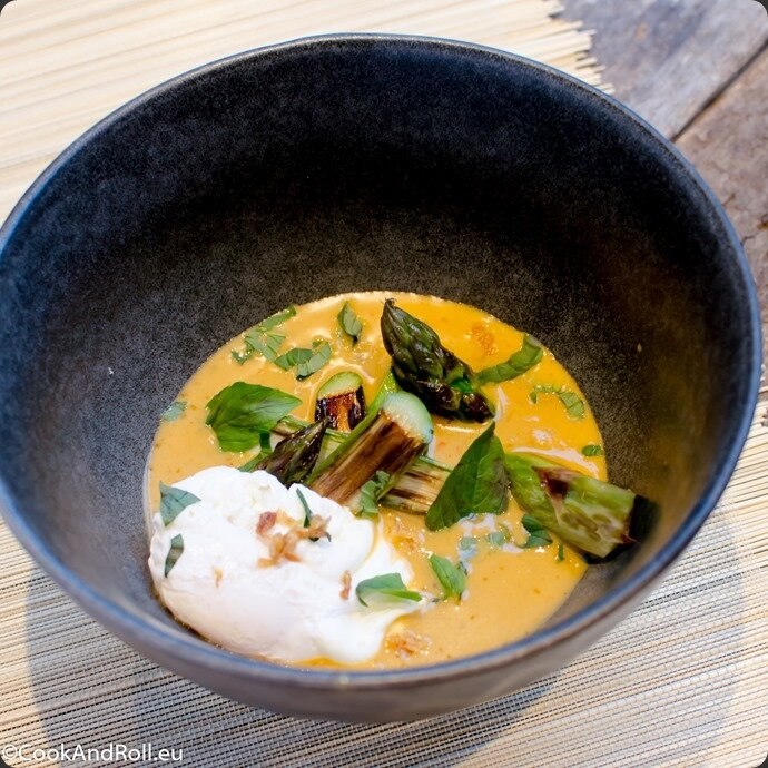 Asperges-curry-rouge-oeuf-mollet-15-2