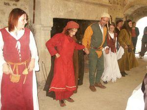 SIKINIS au château de St Mesmin - Danse d'après banquet
