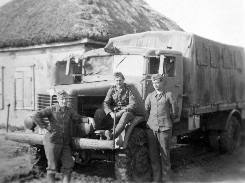 Bussing_NAG_500_S_wehrmacht_near_Smolensk_Russia_1941