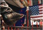 John_McCain_3_rythmes_verticales_rouges_