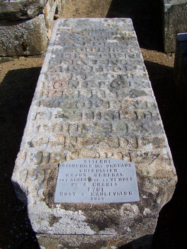 Maulévrier (49) – Tombes Baguenier Desormeaux