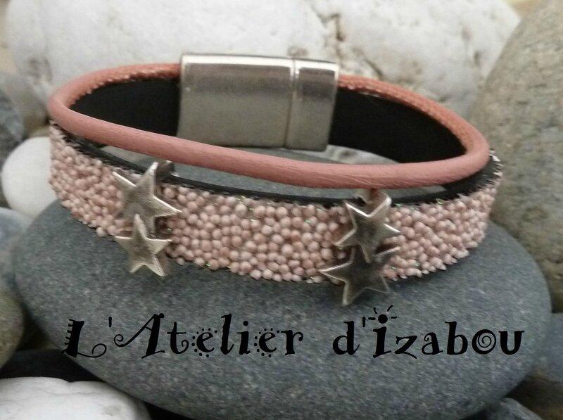 P1130769 Bracelet cuir caviar vieux rose ou rose poudré, cuir rond vieux rose et passant double étoile, fermoir aimanté