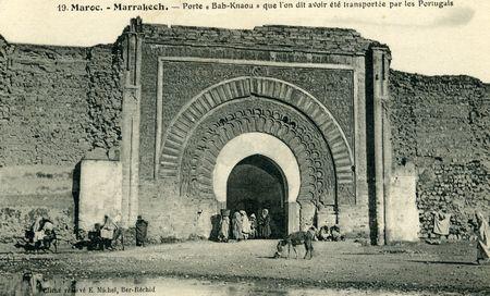 29_MARRAKECH_Porte_Bab_Agnaou_le_courrier_au_dos_de_cette_carte_date_de_1912