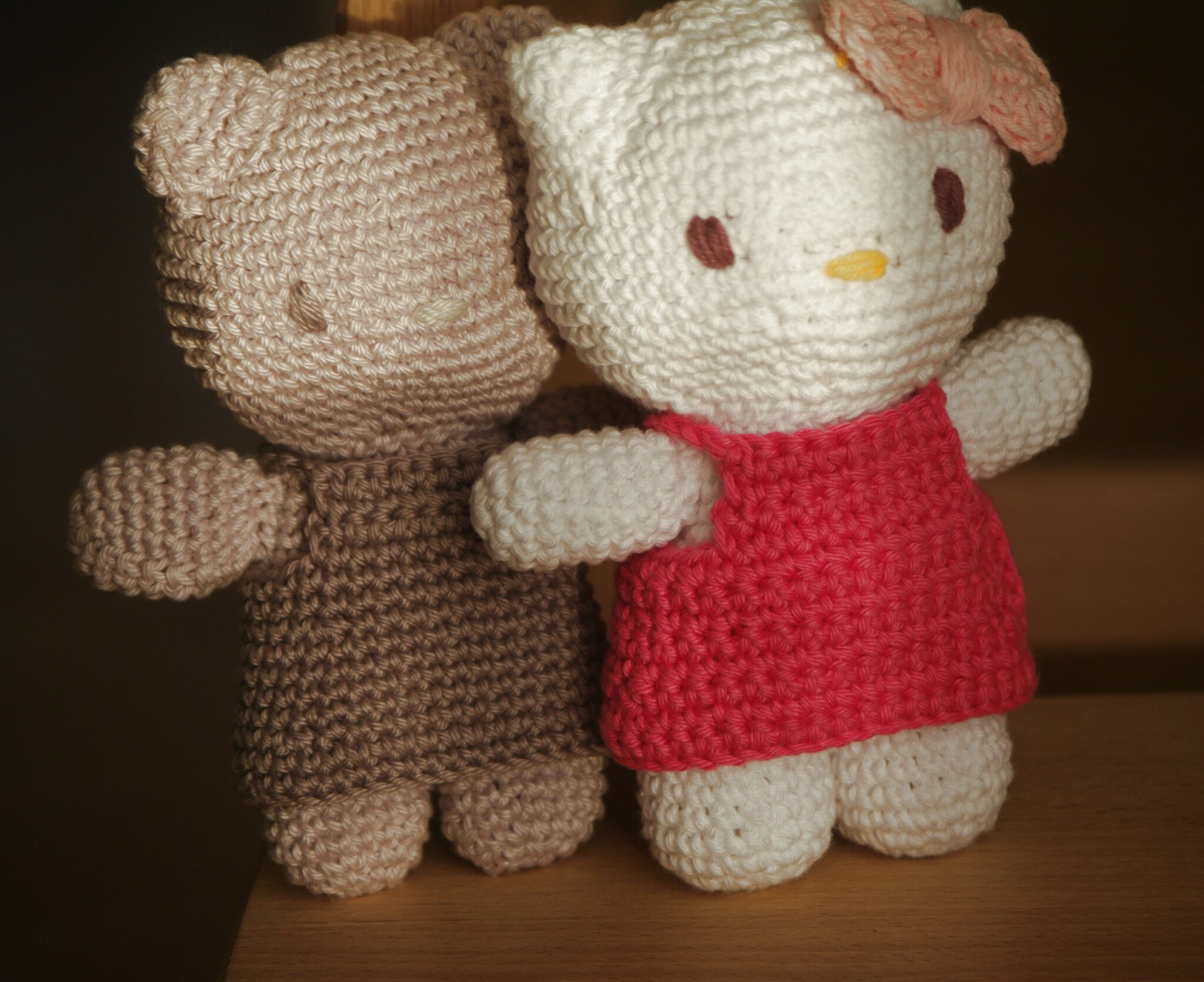 crocheter un amigurumi hello kitty