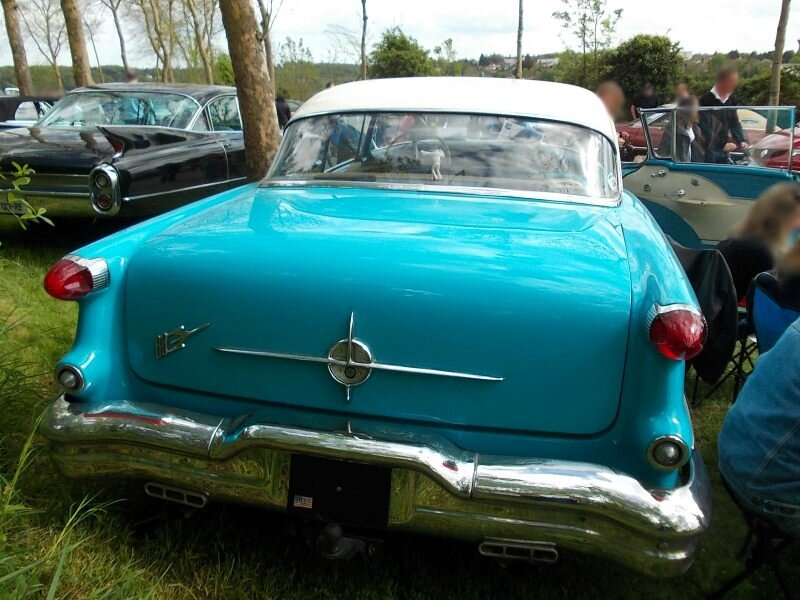 Oldsmobile88Holiday1956ar