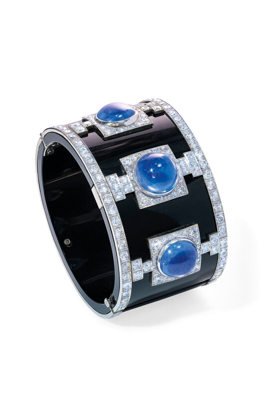 2019_GNV_17436_0237_000(art_deco_sapphire_diamond_and_onyx_cuff)