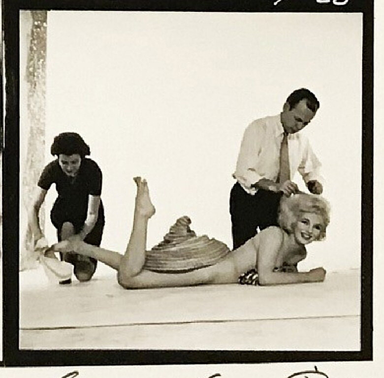 1958-by_richard_avedon-mm_with_kenneth_battelle-013-4
