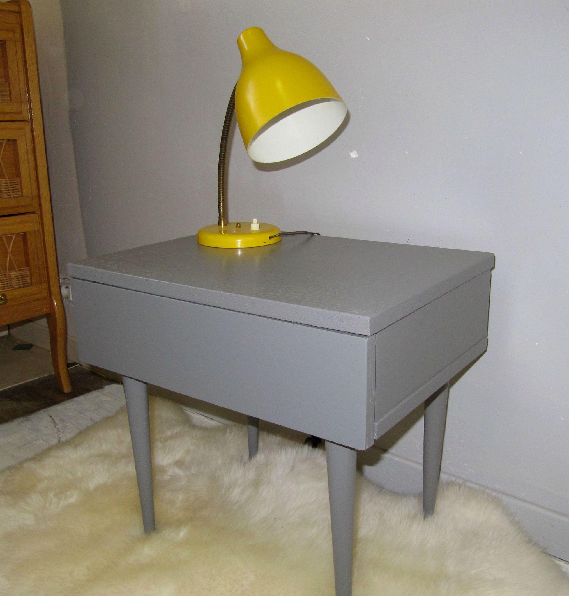 Petit chevet gris/jaune