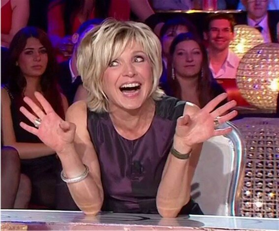 Evelyne Dhéliat31121170
