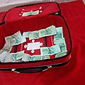 La valise magnétisé attire toujours beaucoup d'argent