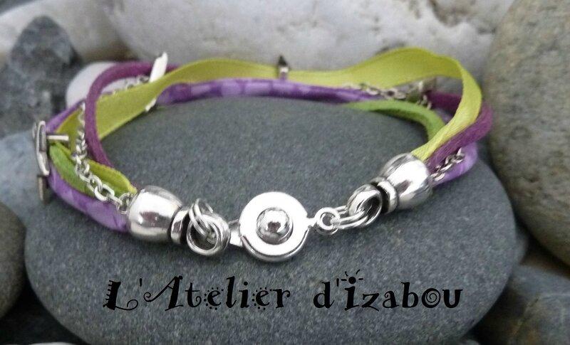 P1140917 Bracelet multirangs multimatières vert anis et violet, liberty, daim, satin, chaîne forçat et passant étoiles